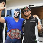 "Checo Pérez y Blue Demon Jr. ""luchan"" en Barcelona"